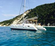 Kat Athena 38 chartern in Marina Lefkas