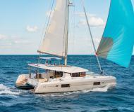 Katamaran Lagoon 42 Yachtcharter in Trogir