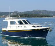 Yacht Adria 1002 Vektor available for charter in Marina Kornati