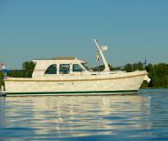 Motor boat Grand Sturdy 29.9 Sedan for rent in Marina Zehdenick