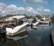 Galia 700 Sundeck Motorboot Charter Deutschland