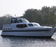 Yacht with 3 cabins for hire in Fuenfseen