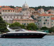 Motoryacht Targa 48 chartern in Stobrec Port
