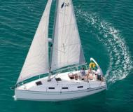 Yacht Bavaria 32 Cruiser for hire in Biograd na Moru
