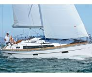 Yacht Bavaria 37 Cruiser for rent in Trget Harbour