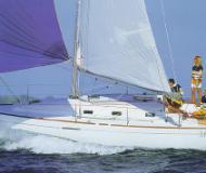 First 31.7 Segelyacht Charter Arzal