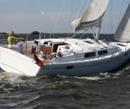 Yacht Hanse 385 for rent in Saltsjoe Duvnaes