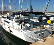 Sailing boat Oceanis 55 available for charter in Pomer