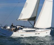 Yacht Sun Odyssey 439 for charter in Rosignano Solvay