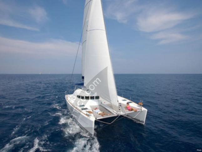 Cat Lagoon 410 S2 available for charter in Marigot
