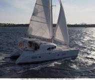 Kat Lagoon 380 chartern in Marina Royale
