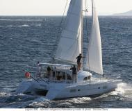 Catamaran Lagoon 380 for charter in Ribishi