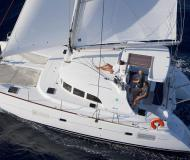 Catamaran Lagoon 380 S2 for rent in Lisbon