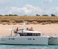 Cat Lagoon 40 for charter in Noumea