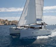 Catamaran Lagoon 400 for rent in Port Pile