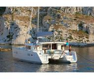 Cat Lagoon 400 for charter in Marina Eczanesi