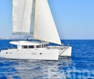 Catamaran Lagoon 400 available for charter in Skiathos