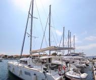 Kat Lagoon 400 chartern in Marina Kornati