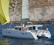 Catamaran Lagoon 400 for rent in Marina Sangulin