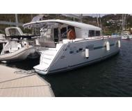 Catamaran Lagoon 400 S2 for hire in French Cul de Sac