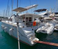Katamaran Lagoon 400 S2 chartern in ACI Marina Split