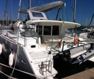 Cat Lagoon 400 S2 available for charter in Pomer