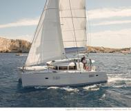 Catamaran Lagoon 400 S2 for rent in Gouvia