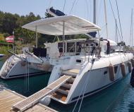 Kat Lagoon 420 chartern in Göcek Marina