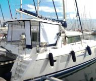 Cat Lagoon 420 available for charter in Alimos Marina Kalamaki