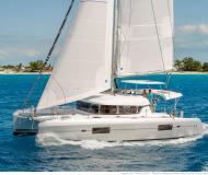 Katamaran Lagoon 420 Yachtcharter in Puerto Del Rey Marina