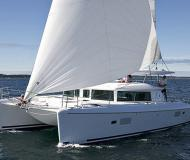 Catamaran Lagoon 420 for charter in Marina de Lagos