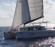 Cat Lagoon 420 for hire in Marina Cayo Largo