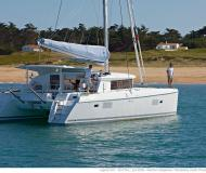 Catamaran Lagoon 421 for hire in Marina Eczanesi