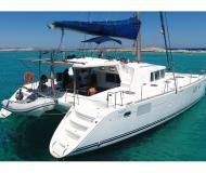Kat Lagoon 440 chartern in Marina San Antonio