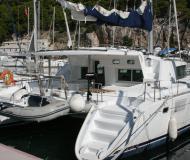 Katamaran Lagoon 440 chartern in ACI Marina Trogir