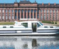 Houseboat Confort 1350 VIP available for charter in Marina Saverne