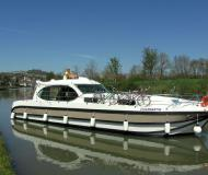 Houseboat Estivale Sixto Prestige for charter in Saverne