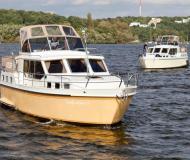 Hausboot Hollandia 1080 C Yachtcharter in Stadt Berlin