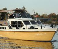 Houseboat Hollandia 1080 C for hire in Marina Bootscenter Keser