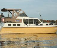 Houseboat Hollandia 1080 C for charter in Marina Bootscenter Keser