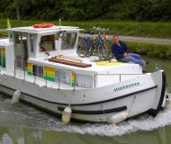 Houseboat Penichette 935 available for charter in Redon