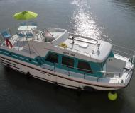 Houseboat vetus 1000 for charter in Port Lagarde