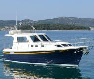 Yacht Adria 1002 Vektor available for charter in Marina Kornati