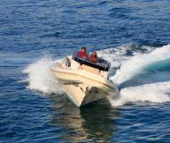 Motoryacht e-motion 32 chartern in Primosten