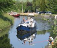 Motorboot EuroClassic 129 Yachtcharter in Vermenton