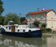 Motor boat EuroClassic 139 for rent in Capestang Marina