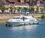 Houseboat Europa 400 for hire in Marina Fleeensee