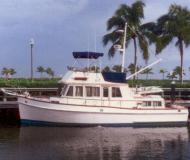 Motor boat Grand Banks 36 for rent in Fort Myers