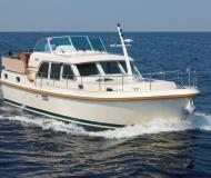 Motor boat Grand Sturdy 40.9 AC for hire in Kudelstaart
