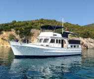 Motor yacht Hampton 42 for rent in Zadar